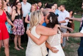 Đôi uyên ương gây bất ngờ khi mời tiệc sinh nhật hoá ra đám cưới