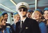 Hành khách tức giận vì tiếp viên hàng không ăn mặc quá hở hang