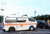 Nữ y tá văng khỏi xe cứu thương sau tai nạn