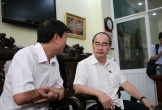 Bí thư Thành Ủy TP HCM ân cần thăm hỏi người dân Thủ Thiêm