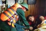 Cứu thành công tàu cá cùng 5 ngư dân gặp nạn trên biển