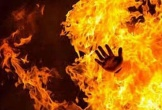 Đổ xăng lên người vợ rồi châm lửa đốt sau cãi vã