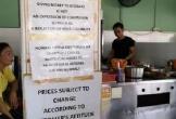 Quán cơm Malaysia gây hiếu kỳ vì tính tiền theo thái độ của khách