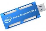 Intel ra mắt phụ kiện USB giúp đưa AI đến máy tính, giá 99 USD
