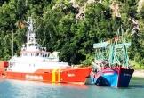 Kịp thời cứu tàu cá gặp nạn cùng 10 thuyền viên vào bờ an toàn