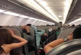 Hàng trăm hành khách khiếp đảm vì máy bay phát báo động... giả