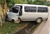 Quảng Bình: 'Lâm tặc' dùng xe 16 chỗ đâm thẳng vào kiểm lâm để tẩu thoát
