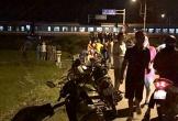 Tàu hỏa húc ôtô văng hơn chục mét, một phụ nữ tử vong