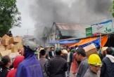 Cháy lớn ở kho hàng rộng 2000 mét sau chợ Vinh