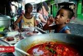 Bữa cơm từ thịt ở bãi rác của người nghèo giữa thủ đô Philippines