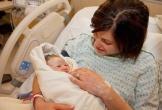 Sinh thuận tự nhiên: Bé ra khỏi bụng mẹ giữ bánh nhau bao nhiêu lâu là tốt nhất?