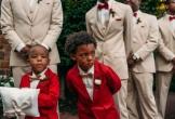 Ảnh cậu bé khóc nức nở trong đám cưới cha mẹ 'gây bão' mạng