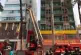 Đang cháy khách sạn 7 tầng ở Sài Gòn, nhiều người mắc kẹt