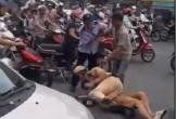 Hà Nội: Tại sao CSGT quật ngã tài xế taxi trước cổng bệnh viện Bạch Mai?