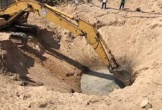 Người dân Ninh Thuận chi tiền triệu đào hố tìm nước tưới cây