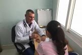 Bác sĩ Cuba được mời về Quảng Bình làm việc bắt đầu tham gia khám chữa bệnh