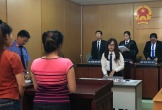 Hai chị em hoa khôi cùng hầu tòa