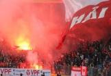 Ban tổ chức V-League đau đầu vì... thu bộn tiền phạt từ pháo sáng