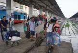Nghỉ lễ 30.4 và 1.5: Tàu xe căng thẳng vì nhu cầu du lịch tăng cao
