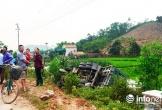 Nghệ An: Xe tải ủi bay hàng chục mét lan can, lật ngửa trên QL48