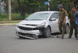 Ôtô va chạm xe máy, hai nữ sinh nguy kịch