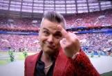 Ca sĩ giơ 'ngón tay thối' tại khai mạc World Cup bị mafia truy lùng?