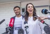 Thủ tướng New Zealand nhập viện để sinh con đầu lòng