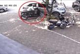 Clip: Siêu trộm 'nhảy' xe SH trong vài giây trước mắt bảo vệ