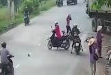 Xe container lao vào nhà dân khiến 1 bé gái chết tại chỗ, 4 người bị thương