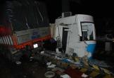 Xe tải tông sập cabin trạm thu phí, nhân viên bán vé may mắn thoát chết
