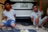 Gã trai xăm trổ vằn vện thuê taxi đi mua 2 kg ma túy