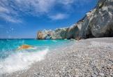 Du khách bị phạt đến 1.000 euro nếu lấy sỏi ở biển Hy Lạp