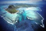 Thác nước ma mị nằm dưới đáy biển sâu 'đánh lừa' du khách