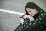 Là con gái đừng bao giờ cố chấp yêu một kẻ vô tâm