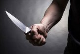 Nghịch tử cầm dao cuồng loạn ở nhà trong cơn say