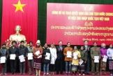 Nhập quốc tịch cho 18 công dân Lào sinh sống ở biên giới Quảng Bình