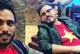 Chàng trai Yemen cổ vũ hết mình cho đội bóng Việt Nam tại Asian Cup 2019