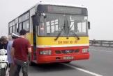 Ngã xuống đường sau va chạm, người đàn ông bị xe buýt cán tử vong