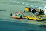 Nhân viên sân bay Đà Nẵng ném hành lý hành khách gây bức xúc
