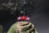 Treo cờ Việt, Mỹ, Triều trong hang Sơn Đoòng, quảng bá du lịch Việt