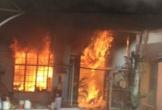 Nghịch tử đốt nhà bố mẹ vì không lấy được sổ hộ khẩu