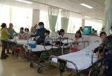 38 học sinh lớp 2 nhập viện sau bữa tiệc sinh nhật tại lớp