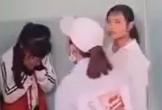 Vụ nữ sinh lớp 7 bị vây đánh hội đồng trong nhà vệ sinh: Buộc 3 nữ sinh thôi học một tuần