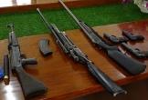 Cận cảnh các loại vũ khí nóng, công cụ hỗ trợ do người dân giao nộp