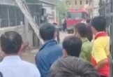 Cãi vã, chồng châm lửa đốt xe máy khiến vợ bỏng nặng