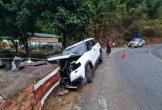 Ô tô 7 chỗ lao cực mạnh vào tường trên đèo Bảo Lộc, bé 7 tuổi tử vong