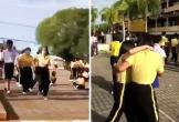 Bị phát hiện ngủ với nữ sinh, hiệu trưởng rút súng dọa khiến cả trường nháo nhào