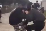 Công an làm rõ vụ 2 nữ sinh đánh nhau trong tiếng reo hò cổ vũ của bạn bè