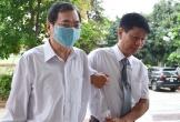 Cựu Bộ trưởng Vũ Huy Hoàng xin được dùng thuốc, có nhân viên y tế hỗ trợ tại tòa