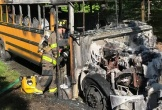 Xe bus đâm trực diện vào nhau và bốc cháy khiến 18 người chết ở Nigeria